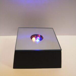 ledlampje als sokkel voor edelstenen of glasbol