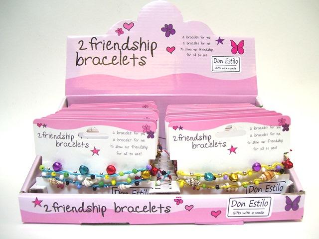 Vriendschaps-armbandjes in display TIJD. UITVERKOCHT